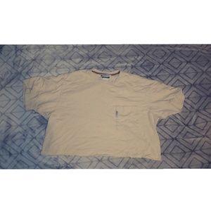 Cropped Columbia tshirt